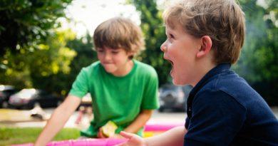 2 fede udendørs aktiviteter som du kan lave med dine børn